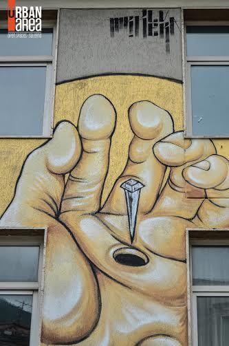 Street art a scuola.  Un'immagine sacra, in memoria di uomini  che conobbero il sacrificio  http://www.artribune.com/2015/05/street-art-a-scuola-mr-klevra-dipinge-la-facciata-dellistituto-confalonieri-di-campagna-unimmagine-sacra-in-memoria-di-uomini-che-conobbero-il-sacrificio/
