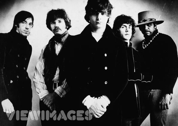 In 1968, Miller formed the Steve Miller Band, singing with Miller, who recorded his first album Children of the Future, style psychedelic groups like San Francisco at that time.