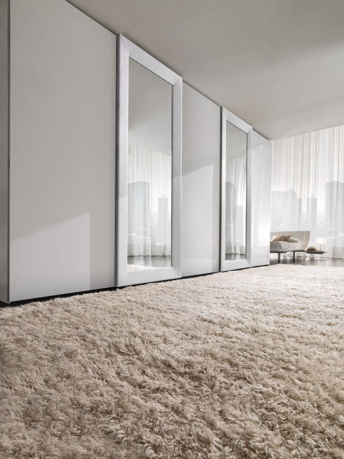 Contemporary wardrobe / lacquered wood / leather / sliding door - MIRROR - Presotto