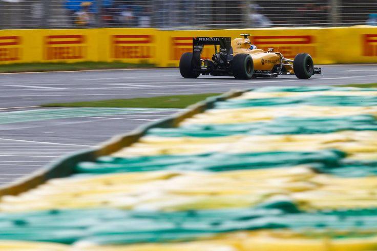 2016 Australian GP - Jolyon Palmer (Renault) [2048x1365]
