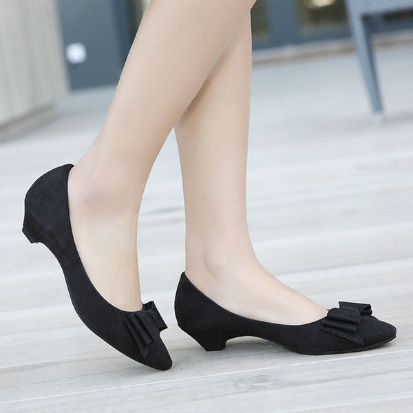 - Stylish bow low heels - Perfect for any office function or friendly gathering - Made from PU - Available in 3 colors