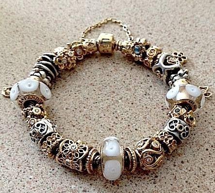Pandora bracelet ♥ Gold