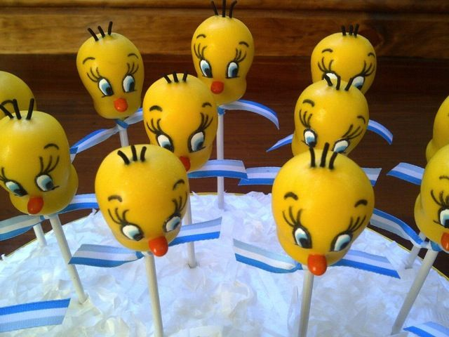 Tweety Bird Cake Pops made by Creative Cakepops