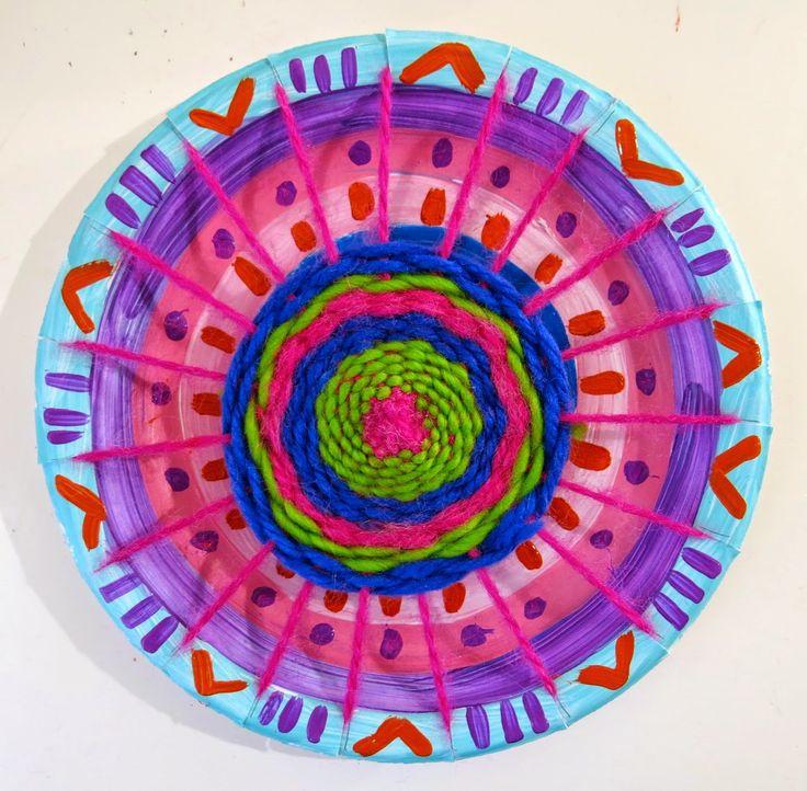 Cassie Stephens: The Weaving Series: Circle Loom Weaving