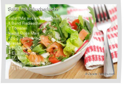 Leckeres Salat mit Räucherlachs Rezept mit einfacher Schritt-für-Schritt-Anleitung: Wurzeln von den Radieschen entfernen und Radieschen in Scheiben sche...