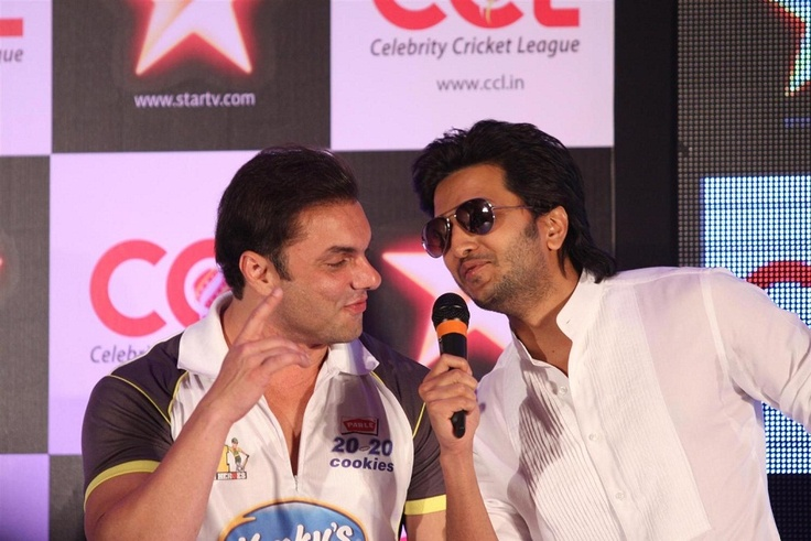 Bipasha Basu and Ritesh Deshmukh at CCL and Star TV Tie Up Event.