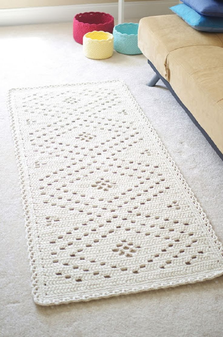 Crochet White Romantic Rug - 10 Free Crochet Home Decor Patterns | GleamItUp