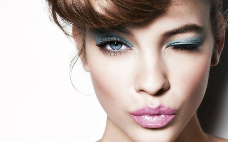 schminke hellblau-augen-lidschatten damen look idee