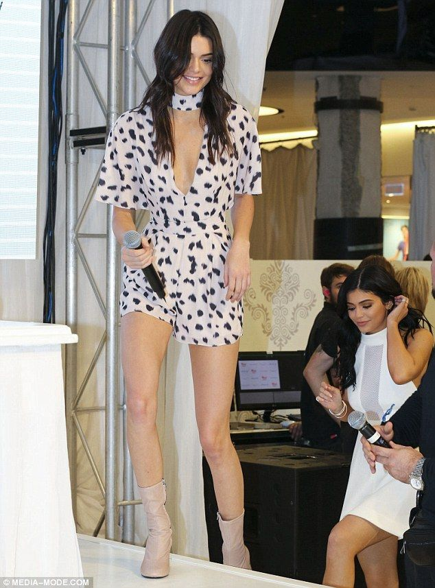 a6fd46e4bc Kendall Jenner stuns in plunging leopard print dress