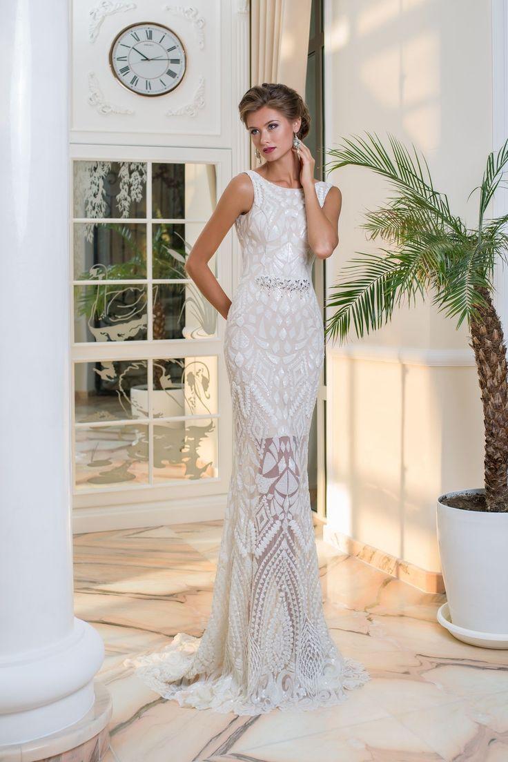 Extravagantné luxusné svadobné šaty s efektom hadej kože
