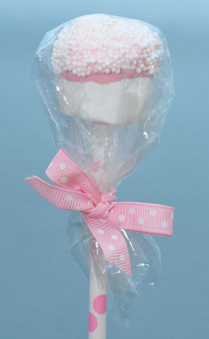 how-to-make-marshmallow-pops-wrapping-marshmallows-on-a-stick-as-a-gift