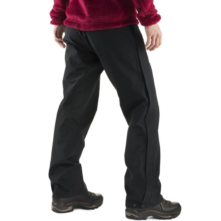 Discover waterproof-breathable comfort in these 2-layer GORE-TEX® pants with fully taped seams and a wallet-pleasing price point. A minimalist design and streamlined cut helps you move with purpose, whether you're in the eye of the storm, traversing a steep snow-covered slope, or walking the dog before work. The pull-on elastic waist and ¾-length zippers make changing and venting easy.