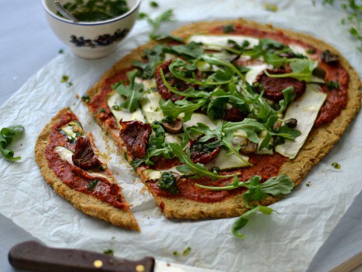 Pizza de tomate seco com crosta de couve-flor
