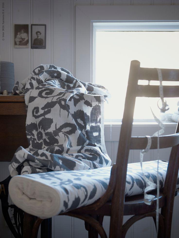 Sätt din personliga prägel på hemmet med textil! KUNGSLILJA metervara inspirerar till vårliga DIY-projekt. Sy egna mjuka kuddfodral eller ett nytt täcke och överkast till soffan.