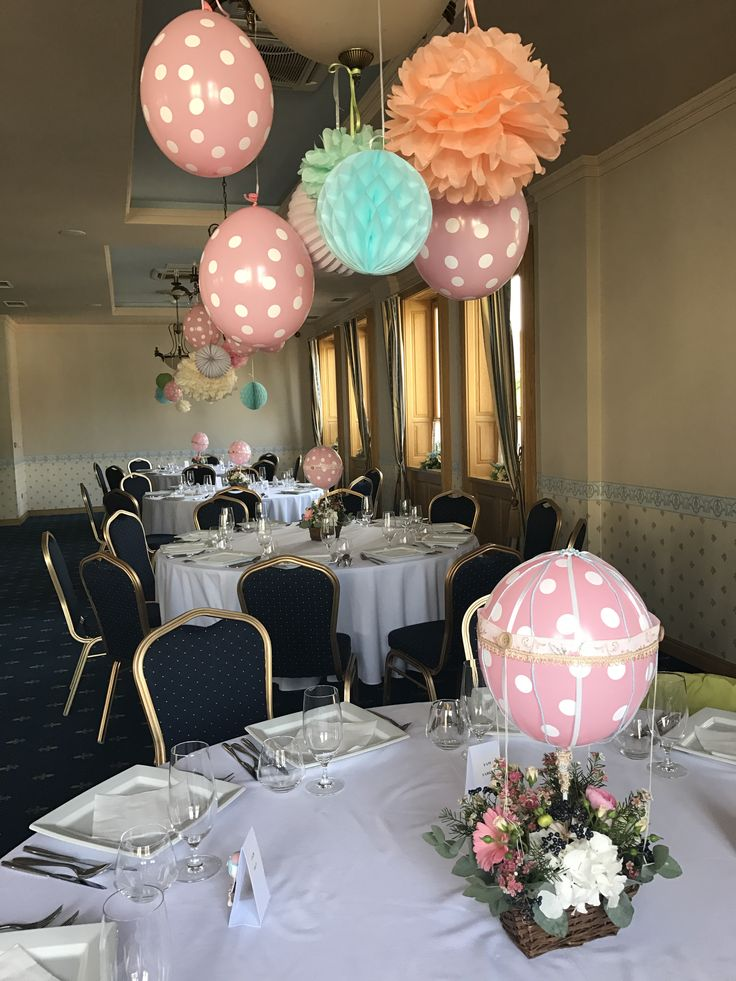 Pastel colors decorations; hot air balloon theme; flowers decor for baby girl party by Atelier Floristic Aleksandra