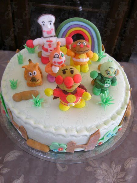 17 best images about anpanman cake on pinterest cute for Anpanman cake decoration