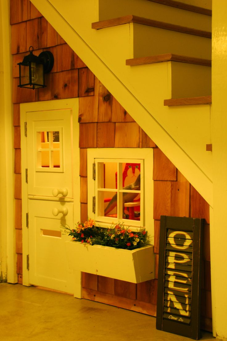 playhouse under the stairs, very cool  AWESOME