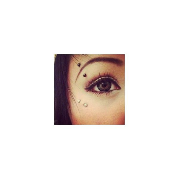 eyebrow and anti eyebrow piercing ❤ liked on Polyvore featuring piercings, jew...
