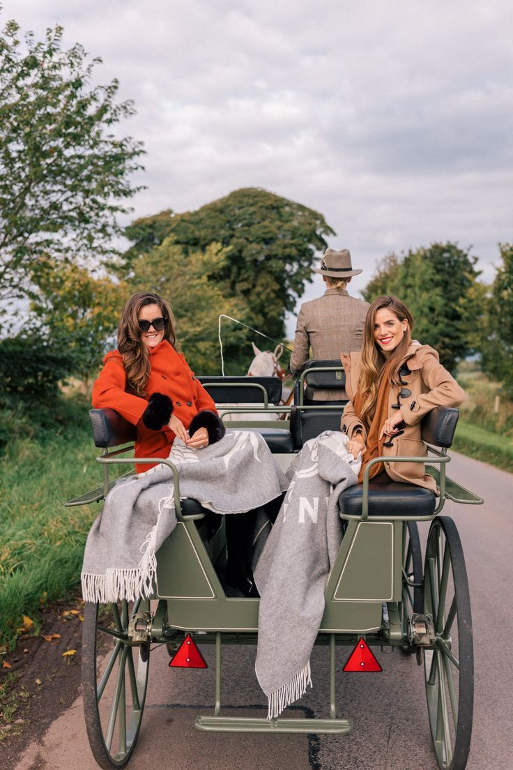 ad5187bd73 Gal Meets Glam Our Scotland Adventure Part 2 - Carriage ride with my dear  friend  rosielondener