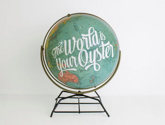 Globe terrestre 12po Vintage Repurposed, décorations de mariage, de la typographie, pépinière, citation de l'aventure de voyage
