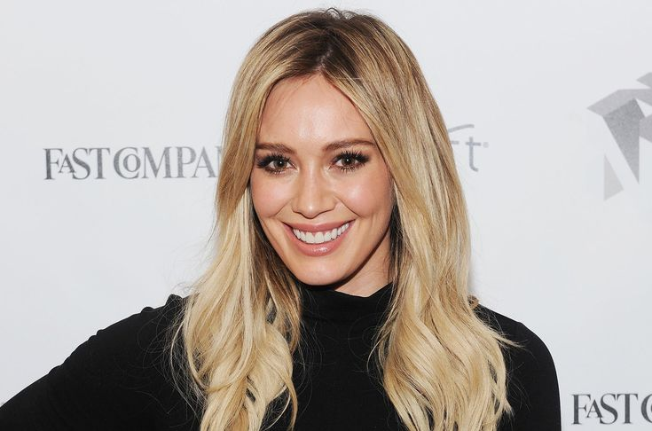 Hilary Duff Caught Packing The PDA With Boyfriend Matthew Koma During Romantic Outing - Check Out The Sweet Pic! #HilaryDuff, #MatthewKoma celebrityinsider.org #Hollywood #celebrityinsider #celebrities #celebrity #celebritynews