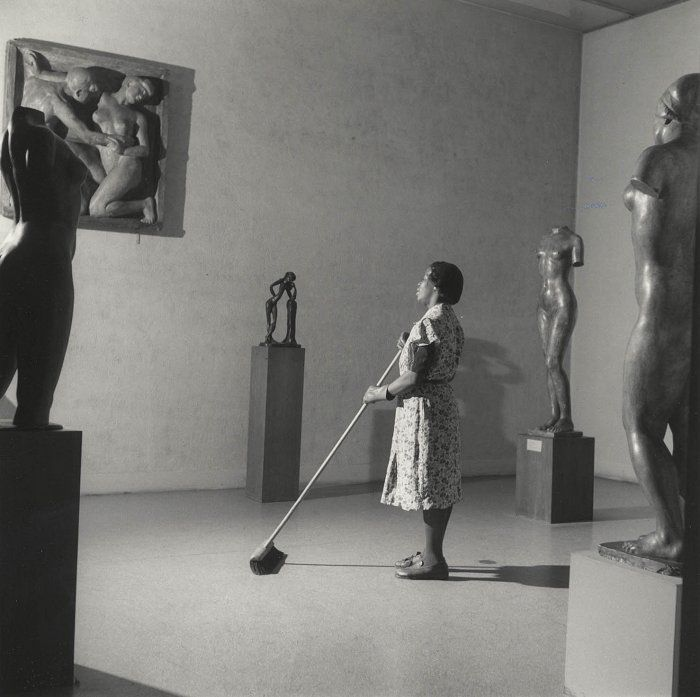 Night in the Museum of Modern Art, New York (Fritz Henle, 1949)