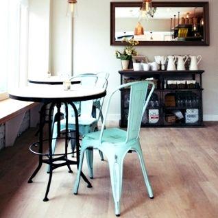 Australané Aaron Cook a Ashleigh Puyol otevřeli nedávno v New Yorku svou již třetí kavárnu, kdy tato nejnovější, Bluestone Lane, má i znatelný...