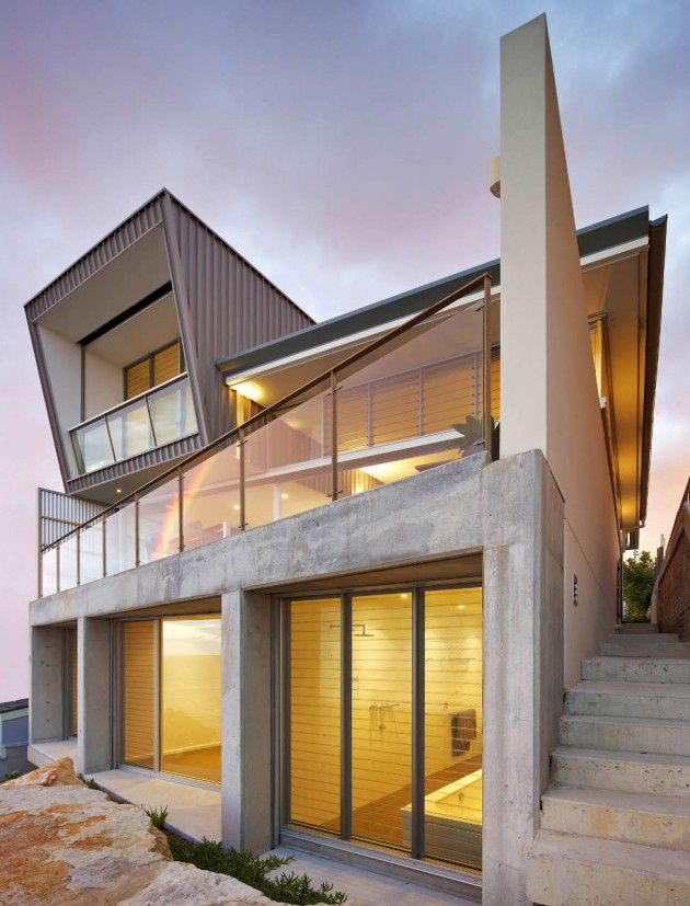 Utz Sanby Architects designed the Queenscliff House in Sydney, Australia.