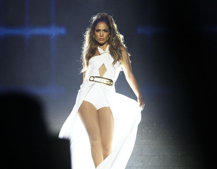 Jennifer Lopez strutted into the spotlight during her performance in Singapore