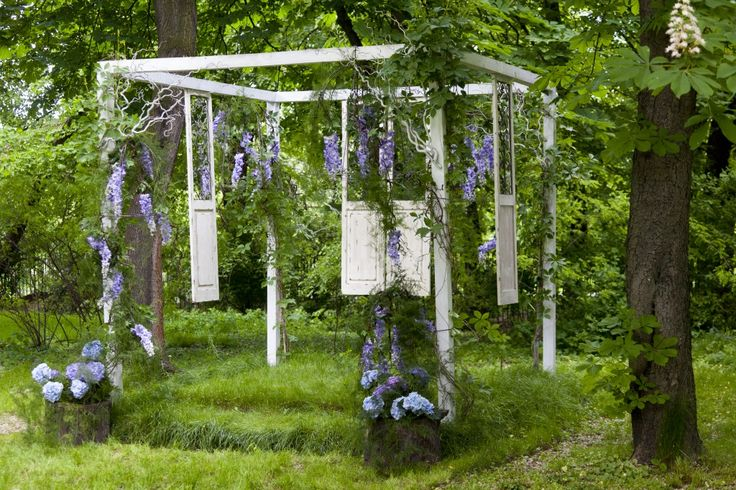 Enchanted garden wedding ceremony decor by artsize.pl