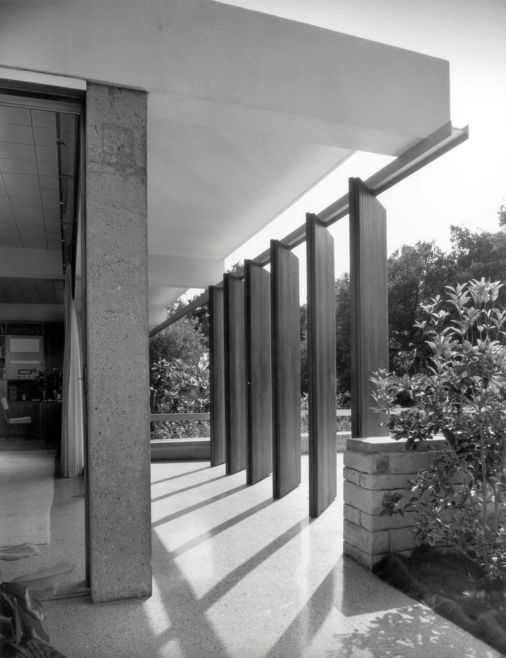 Tremaine house, Montecito CA (1948) | Richard Neutra | Photo : Julius Shulman