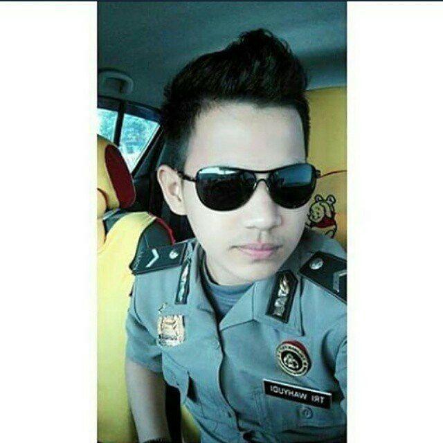 Pak polisi ganteng #polisi #tentara #ganteng #cantik #indonesia #awesome #handsome #uniform #style #sexy