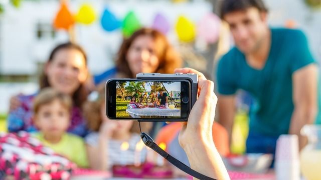 Pictar is a DSLR Style Camera Grip for Your iPhone - http://iClarified.com/54898 - Miggo has unveiled Pictar, a DSLR style camera grip for the iPhone.