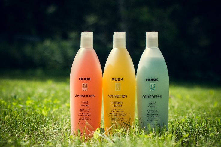 Sensories : Quench your thirsty hair ! Moist™ awakens the senses while reviving dry, thirsty hair. / Protect your hair color ! Brillance™ awakens the senses while protecting fragile, color-treated hair or chemically dependent hair. / Nourish your stressed hair ! Calm™ awakens the senses and gently nourishes troubled, stressed hair.