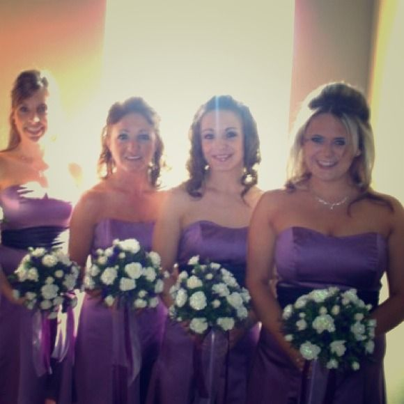 Wisteria bridesmaid dress Mid-length Wisteria bridesmaid dress with detachable plum belt. David's bridal Dresses