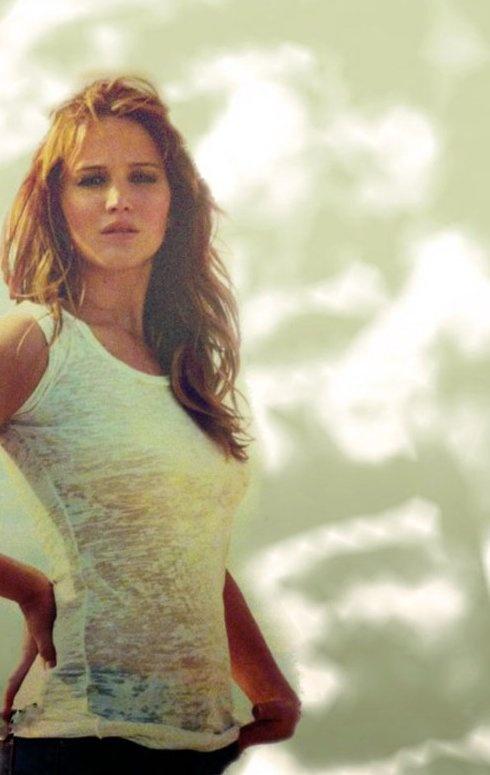 Jennifer Lawrence. if i liked gurlz i'd mack on dat. lolololol