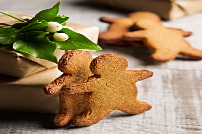 Australian Gluten Free Life | Don't let food allergies get you down this Christmas. These gluten-free gingerbread cookies are dairy-free too!