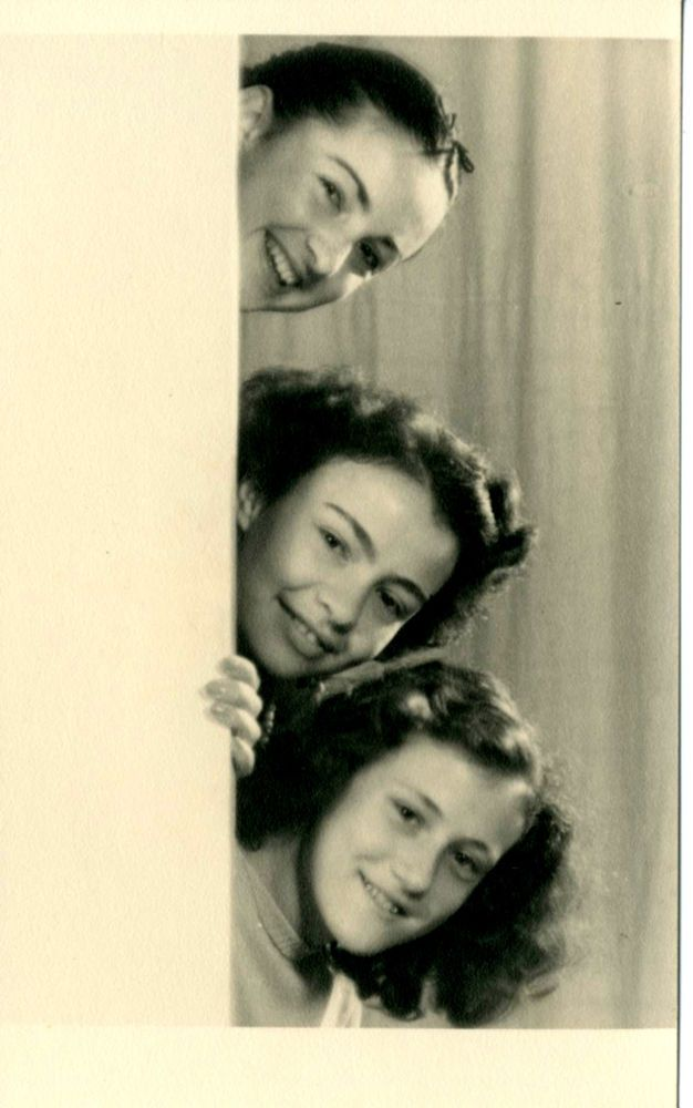 LE TRE RAGAZZE-DONNE-SIMPATICA VECCHIA FOTO D EPOCA ( OLD PHOTO ) ANNI 50 CA