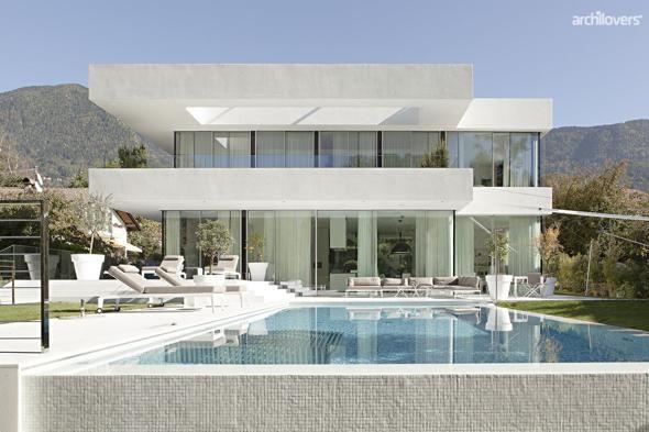 Il Sole 24 Ore Mobile - Trenta mega-ville in Italia: l'architettura entra in casa