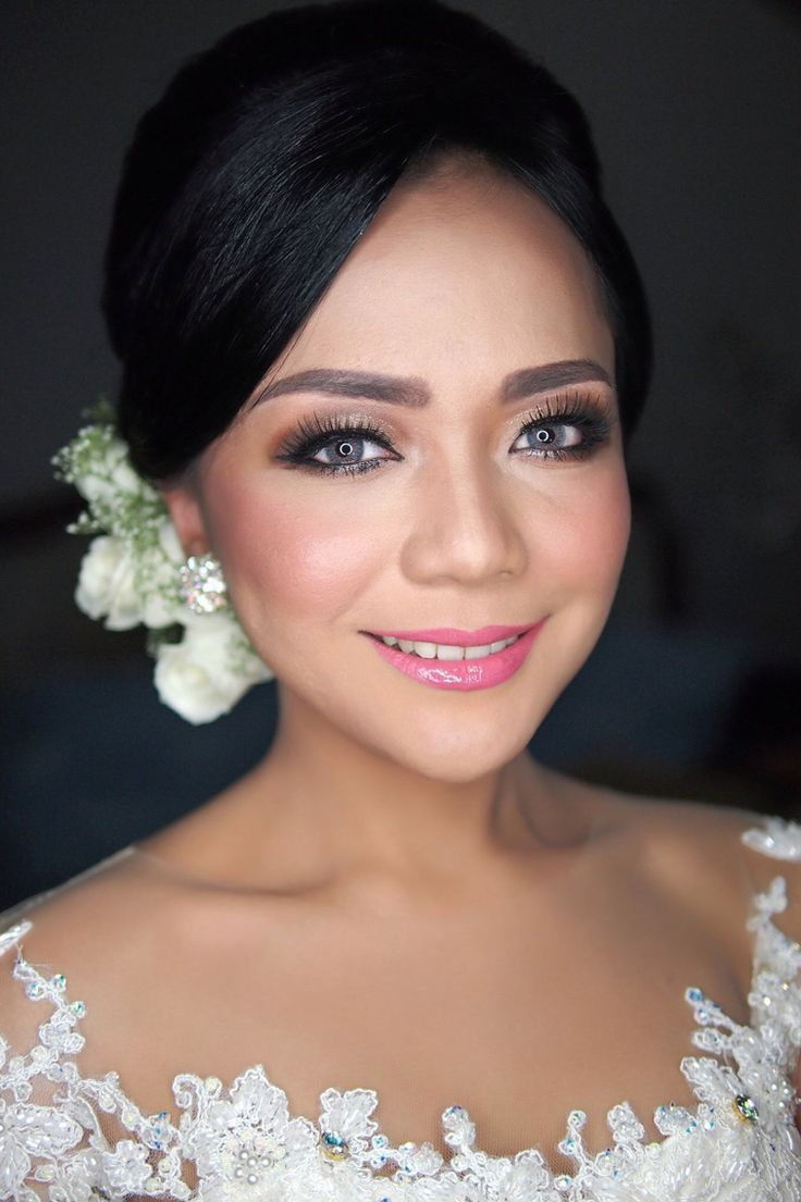 Inova Pakpahan wedding. IG:galmakeup #glowing #colorful