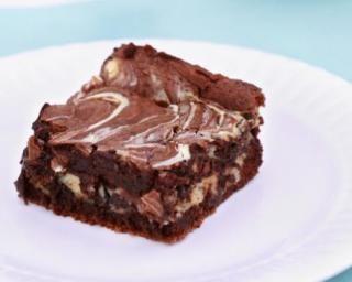 Brownies marbrés au fromage blanc 0% : http://www.fourchette-et-bikini.fr/recettes/recettes-minceur/brownies-marbres-au-fromage-blanc-0.html
