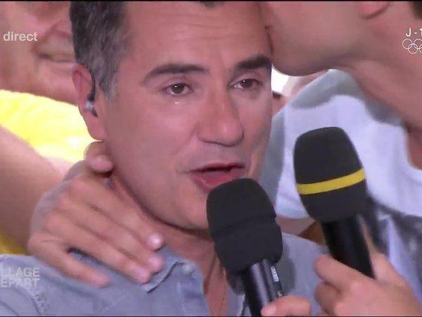 """""""Village Départ"""" : Laurent Luyat en larmes pour la dernière après un appel surprise de sa mère (Vidéo) Check more at http://www.closermag.fr/video/village-depart-laurent-luyat-en-larmes-pour-la-derniere-apres-un-appel-surprise-de-sa-mere-video-643640"""