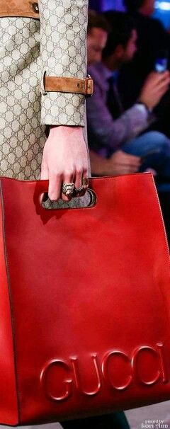 #TIMELESSBAGS Pinterest - @houstonsoho | @gucci #FW2016 Ready-to-Wear Collection: Red Gucci Bag