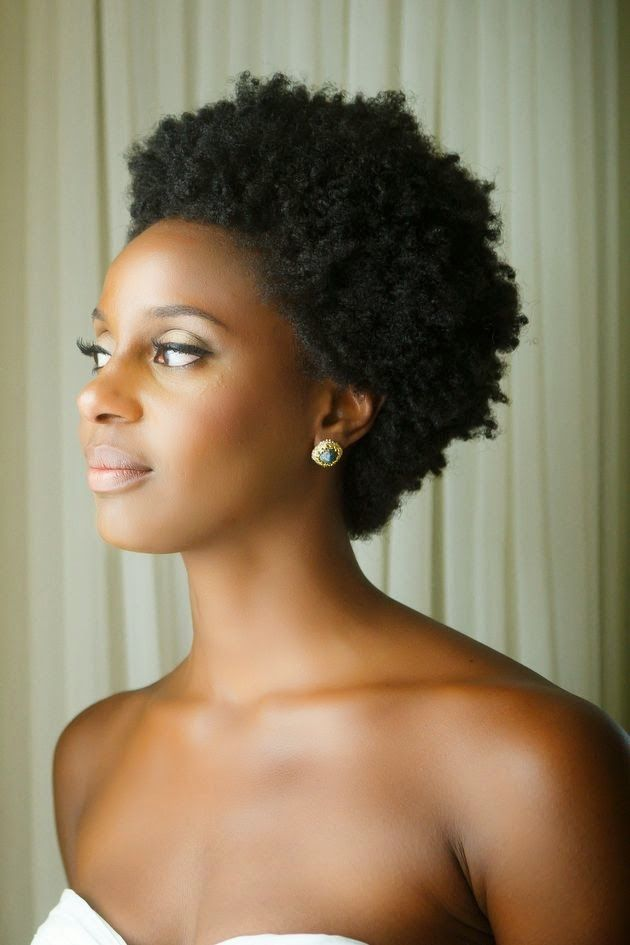 """A woman who cuts her hair is about to change her life.""  Coco Chanel   Ce post s'adresse tout particulièrement aux femmes Noires et métiss..."