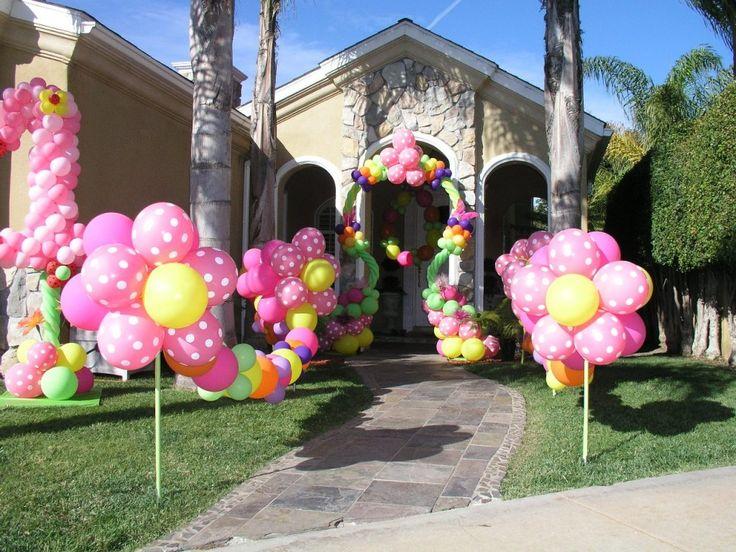 Sweet baby girl's 1st birthday flower balloons!  www.partyfiestadecor.com