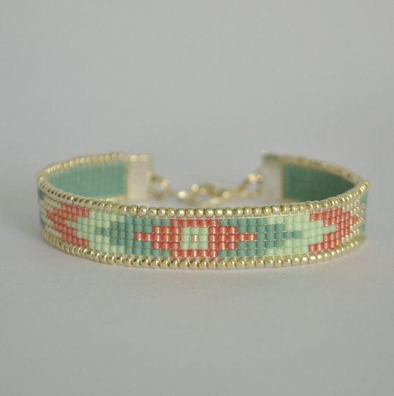 Chevron perles métier à tisser Bracelet Bracelet par WishWantDesire