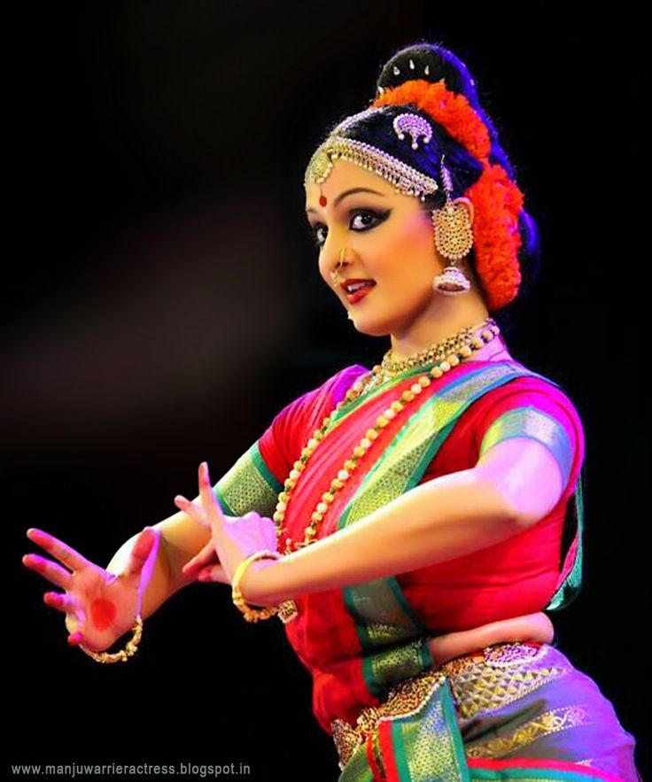 Manju Warrier Actress: MANJU WARRIER'S CLASSICAL DANCE STILL PHOTOS NEW HQ IMAGES