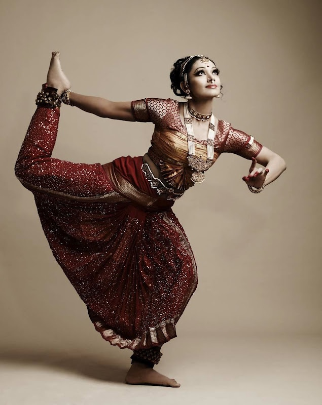 Bharathanatyam - Southern India's Classical Dance Forms. And my first love..:)