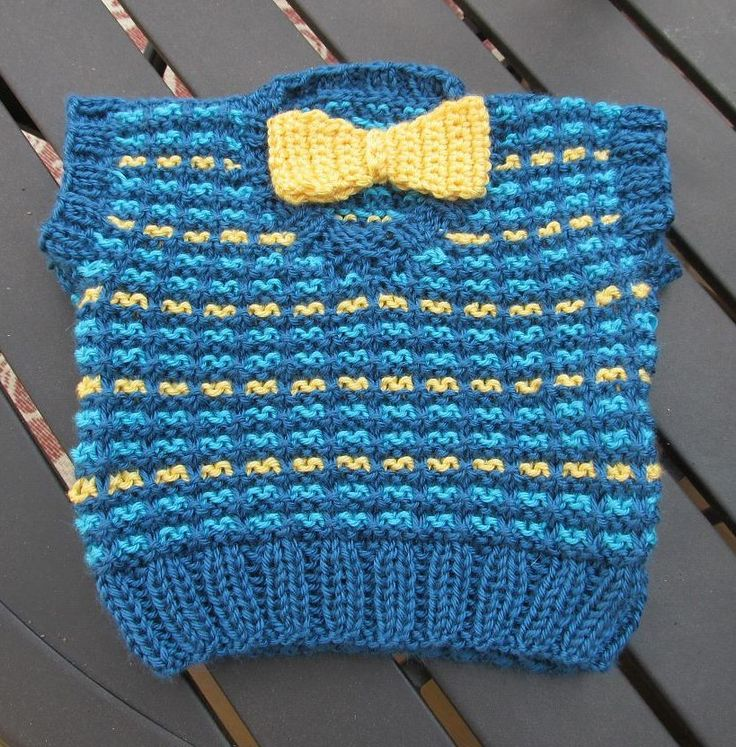 Knitting Pattern Baby Undershirt : Over 1000 billeder af Baby Knitting Patterns pa Pinterest Babyt?pper, T?ppe...