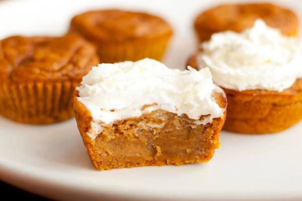 Pumpkin Pie cupcakes: Desserts, Pumpkin Pies Cupcakes, Pumpkinpi, Pumpkin Cupcakes, Pumpkins, Recipes, Baking, Pumpkin Pie Cupcakes, Impossible Pumpkin